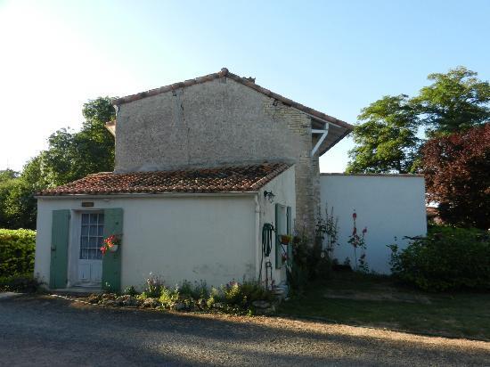 Le Clos de la Garenne: Un bâtiment annexe dans la propriété