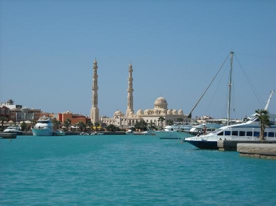 Hurghada, Egypt: Marina - Look at the new mosque
