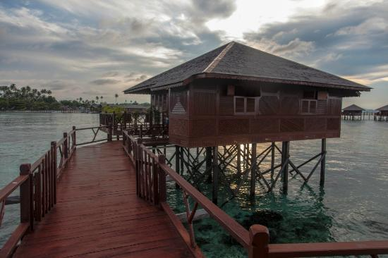 Sipadan Water Village: Grand deluxe Room S128