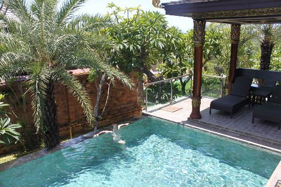 Ammatara Pura Pool Villa: private pool and sunloungers