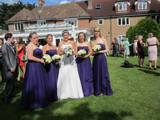 Little Silver Country Hotel: The bride and bridesmaids in the garden