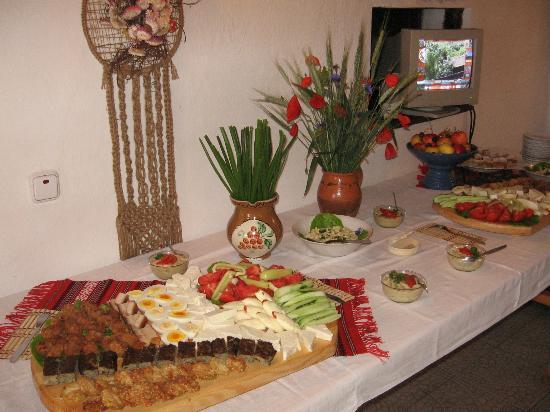 Bunica Eugenia Pensiunea Agroturistica: Enjoy your meal!