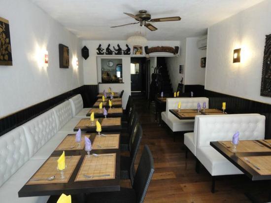 Chaophraya - Restaurant Thailandais: Chaophraya Restaurnat Inside 2