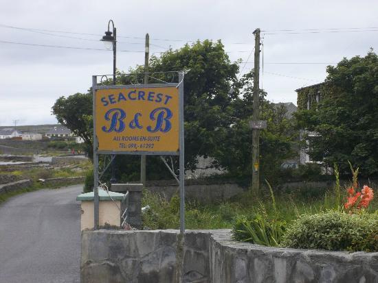 Seacrest: Sign on the roadside