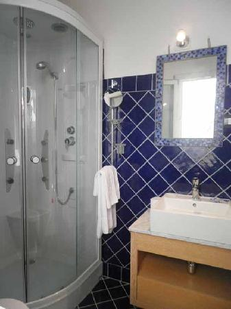 Costa Morroni : our showers/bathrooms