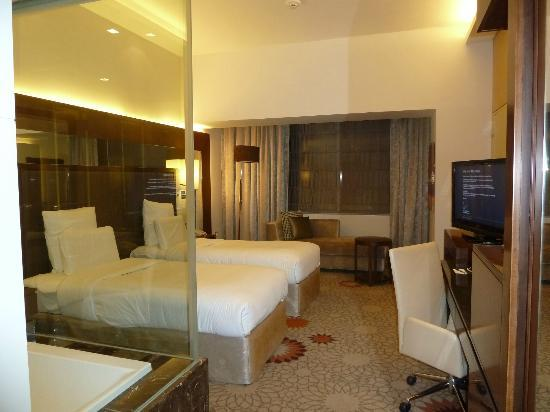 Bedroom picture of sheraton dubai mall of the emirates for Emirates hotel dubai
