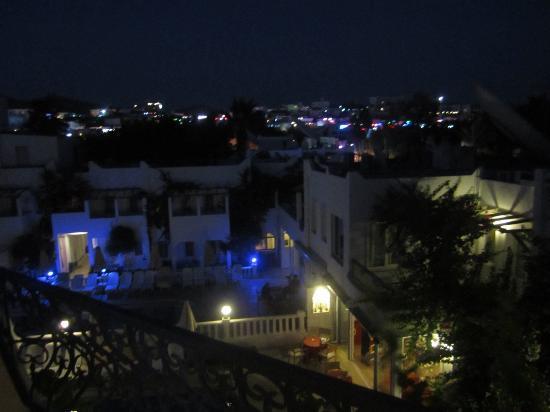 سيرهان هوتل: balcony view 