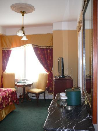 Queen Anne Hotel: Bedroom