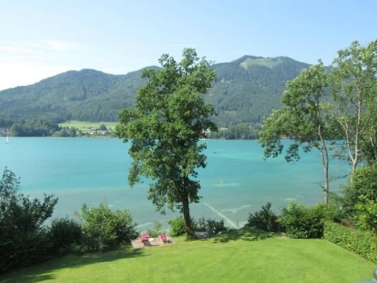 Hotel Seewinkel: Lake view