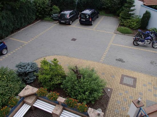 Penzion Sirius : Le parking