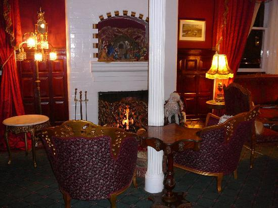 Queen Anne Hotel: Sitting Room