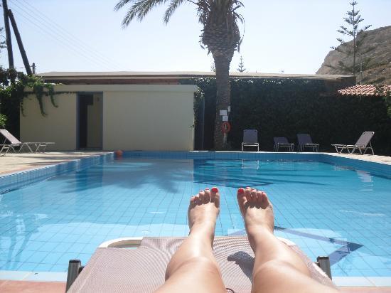 Hotel Neos Matala : la piscine de l'hotel