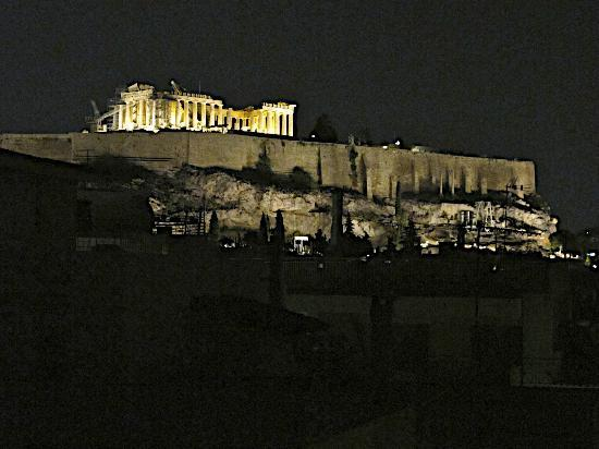 Acropolis Hill Hotel: Parthenon at Night!