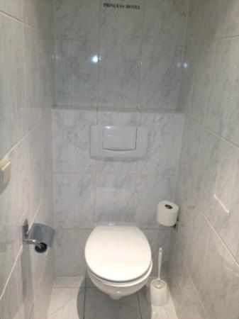 Hotel Princess: Toilet, modern, clean