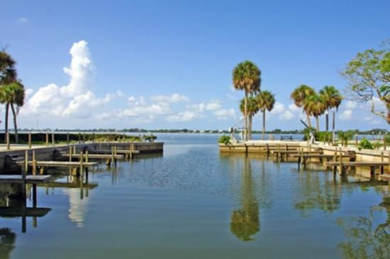 Buchan's Landing Resort: Here you can hear the surf of the Gulf in the distance and the ripples of the bay up close.