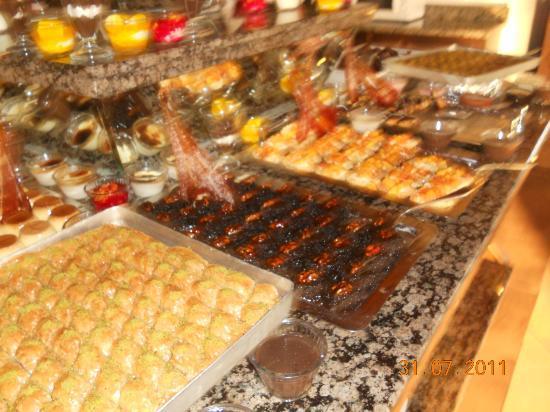 Desserts - Picture of Aydinbey Famous Resort, Bogazkent