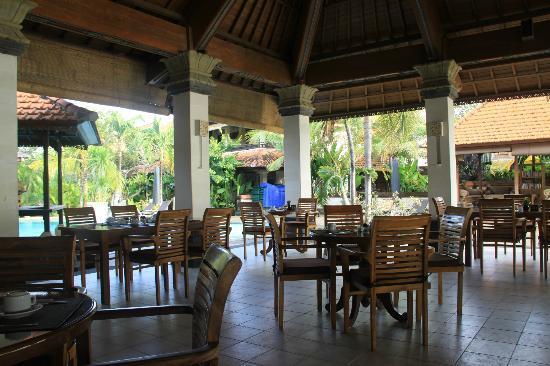 Vila Shanti Beach Hotel: Restaurant