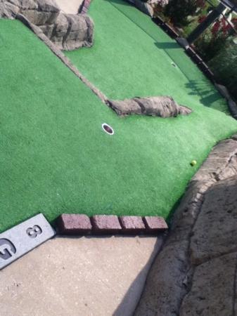 Lost Treasure Golf: interesting course example