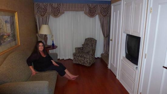 Hotel Palace Royal: Salon inside the room