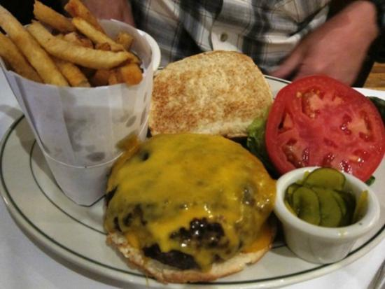 Wollensky's Grill: burger and french fries