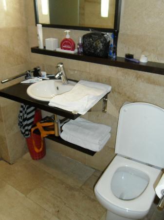 H Cristina Hotel: Baño