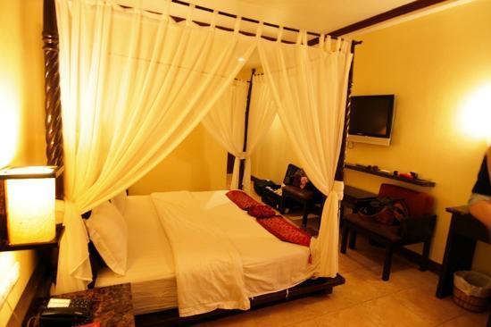 Boracay Ocean Club Beach Resort: 床鋪