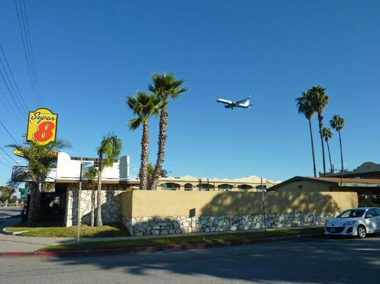 Super 8 Los Angeles Airport: super 8
