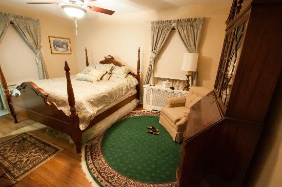 Bancroft Manor Bed and Breakfast: The Brantwyn room