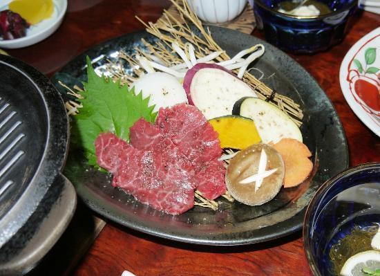 Fujimiya Sanso Chinchikurin: これが、山の幸コース「和牛ステーキ」 か? カルビやろ