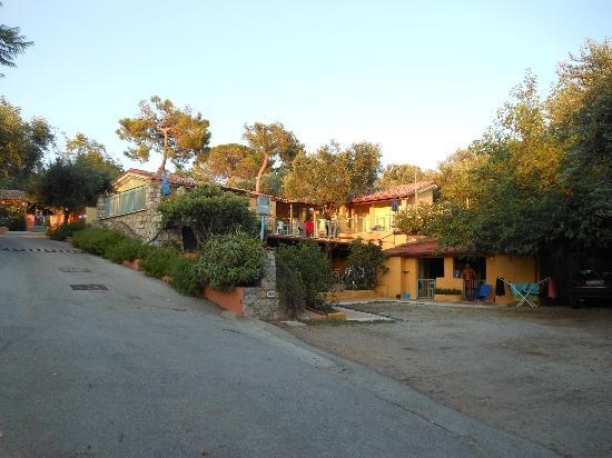Villaggio La Perla: Scorcio del villaggio