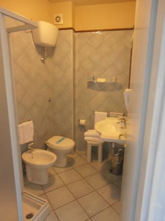 Boutique Hotel Su Sergenti : salle de bains