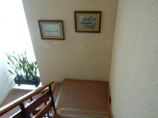 Hotel Sant Jordi: Лестница