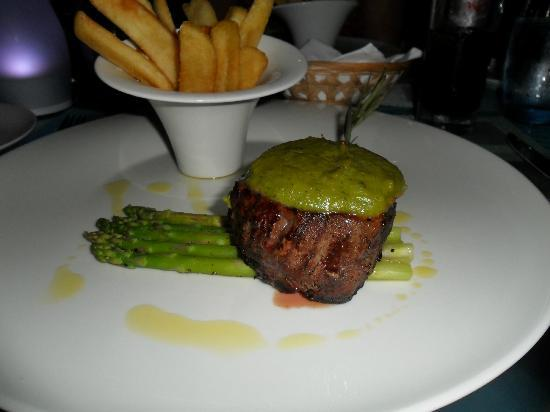 Kuramathi Island Resort: best fillet steak ever!