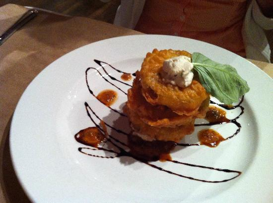 Conch and Bucket: Fried green tomatoes