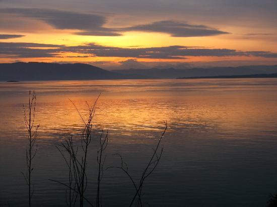 Orcas Island Bayside Cottages: Sunset