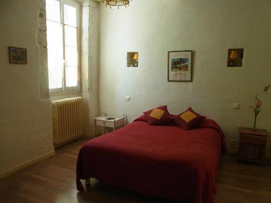 Auberge Aux Petits Paves: Bedroom