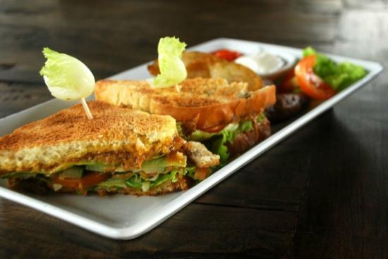 Don Biyu Rendang Sandwich