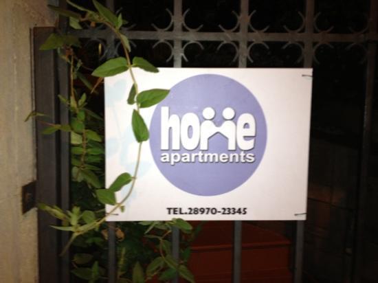 Home Hotel: insegna