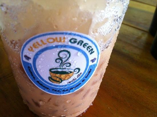 Yellow Green Coffee Shop: ice coffee (^_^)
