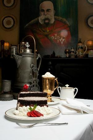 Vienna Restaurant & Historic Inn: Black Forrest Torte