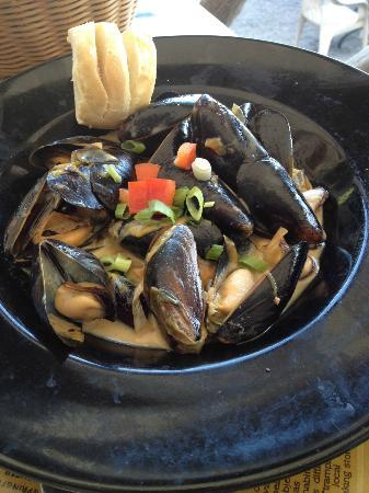 The Blue Mingo Grill: Mussels!