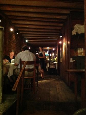C & O Restaurant: Romantic interior