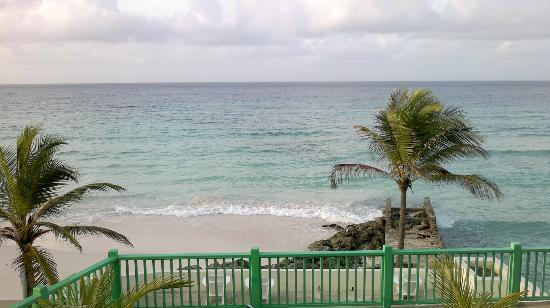 Rostrevor Hotel : another view of hotel beach from my room