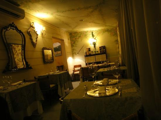 Le Cicale in Citta': Prospettiva della sala posteriore.