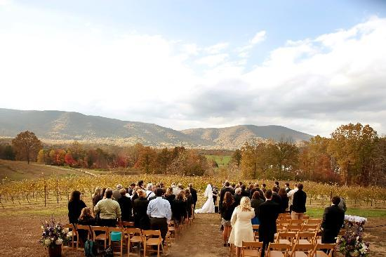 White Hall, VA: Weddings at Mountfair