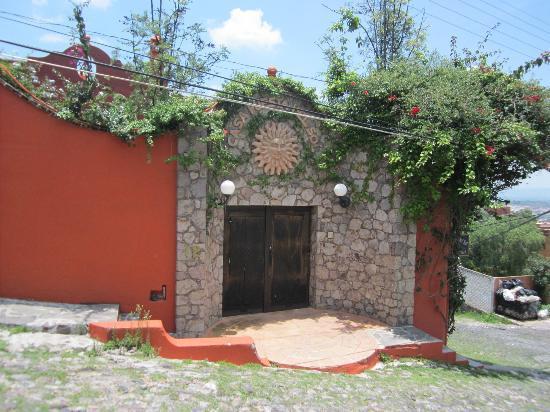 Casa Puesta Del Sol: Entranceway to Casa