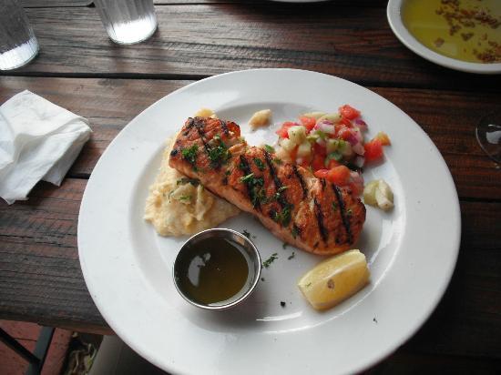 Rosemary's Thyme Bistro: Atlantic Salmon