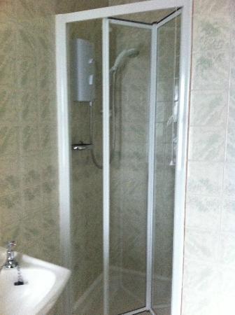 Dornie Hotel: Bathroom