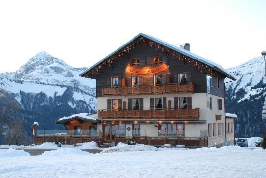 Hotel du mont bisanne crest voland france voir les for Prix des hotels en france