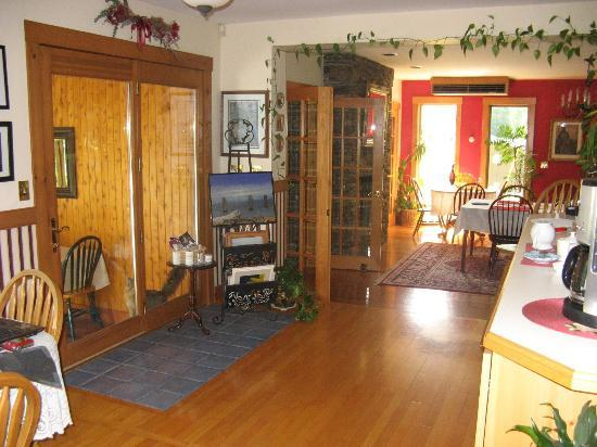 Lake Salem Inn Bed and Breakfast: common area(s)